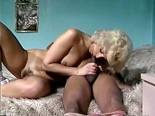 Super hot interracial golden age erotica video