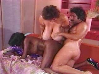 Ebony Ayes and Ron Jeremy, Free Leggins